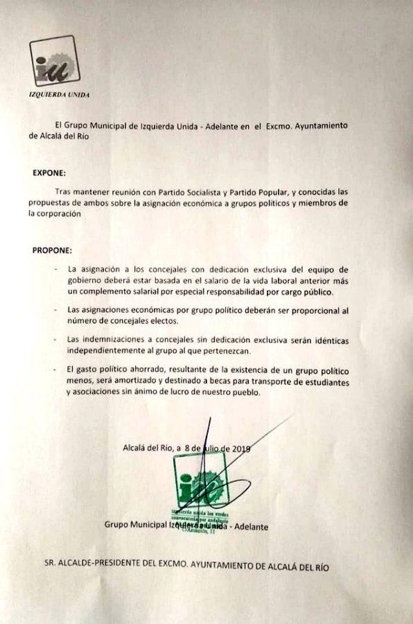 Asignaciones a los grupos políticos y propuesta de IU.